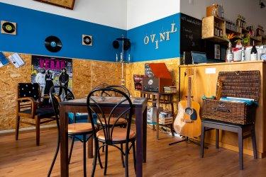 Ovinil Café