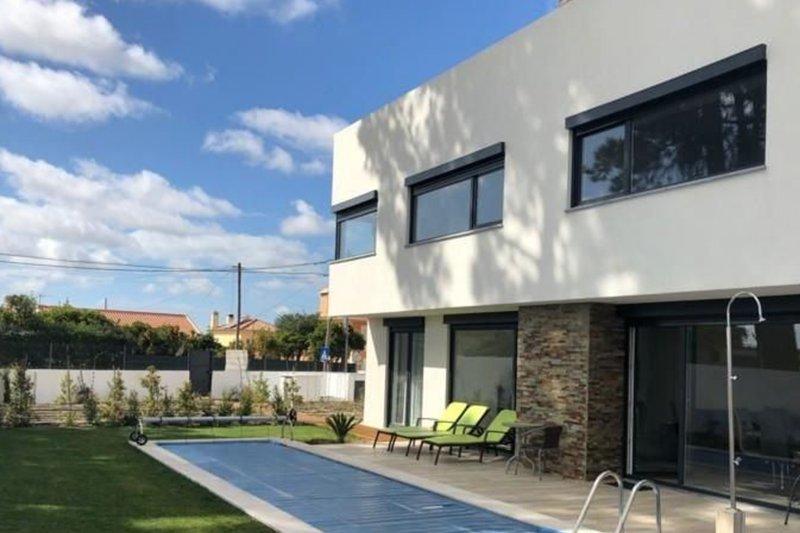 Maison individuelle T5 de 225 m² avec piscine - Azeitão / Setúbal   BVP-QNI-1008   1   Bien vivre au Portugal