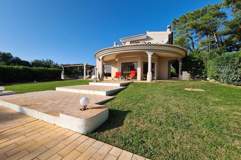 Maison individuelle T5 avec piscine + 2 annexes - Santa Barbara de Nexe | BVP-TMR-1083 | 2 | Bien vivre au Portugal
