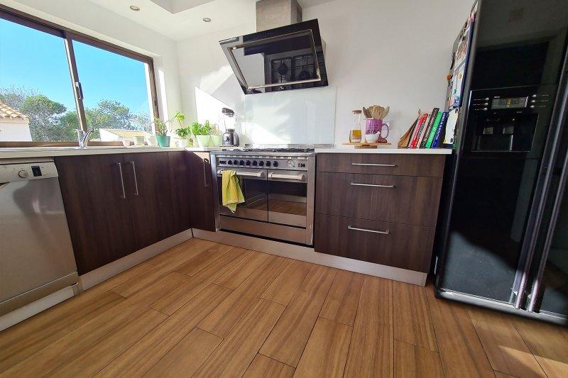 Maison individuelle T5 avec piscine + 2 annexes - Santa Barbara de Nexe | BVP-TMR-1083 | 9 | Bien vivre au Portugal
