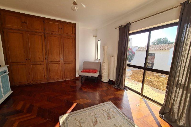 Maison individuelle T5 avec piscine + 2 annexes - Santa Barbara de Nexe | BVP-TMR-1083 | 12 | Bien vivre au Portugal