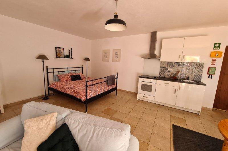Maison individuelle T5 avec piscine + 2 annexes - Santa Barbara de Nexe | BVP-TMR-1083 | 17 | Bien vivre au Portugal