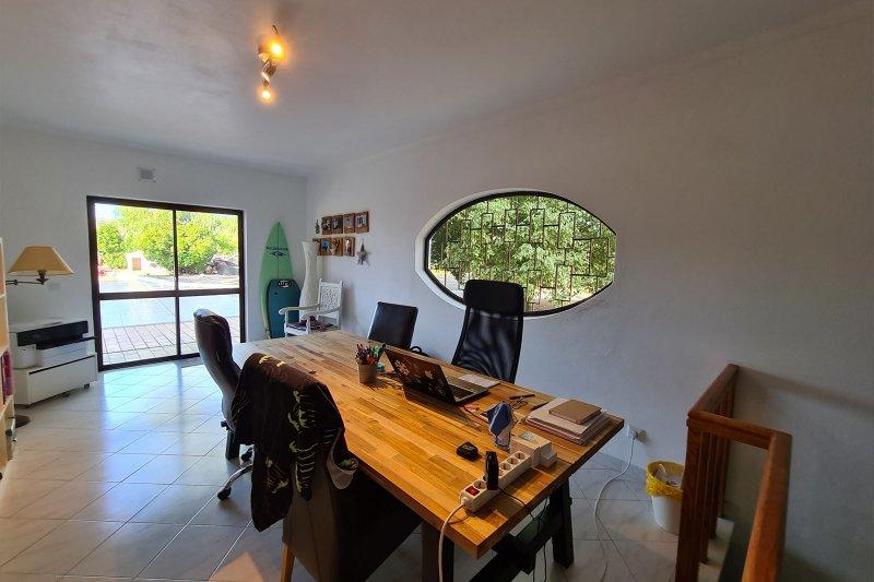 Maison individuelle T5 avec piscine + 2 annexes - Santa Barbara de Nexe | BVP-TMR-1083 | 19 | Bien vivre au Portugal