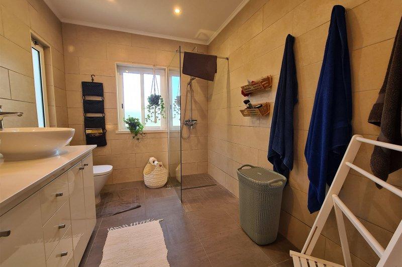 Maison individuelle T5 avec piscine + 2 annexes - Santa Barbara de Nexe | BVP-TMR-1083 | 22 | Bien vivre au Portugal