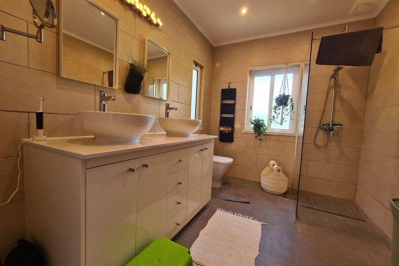 Maison individuelle T5 avec piscine + 2 annexes - Santa Barbara de Nexe | BVP-TMR-1083 | 24 | Bien vivre au Portugal