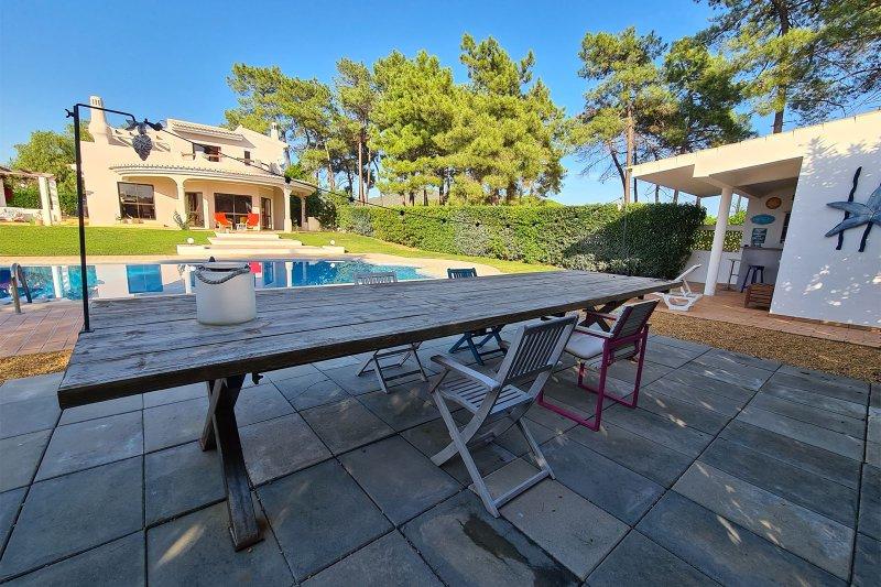 Maison individuelle T5 avec piscine + 2 annexes - Santa Barbara de Nexe | BVP-TMR-1083 | 30 | Bien vivre au Portugal