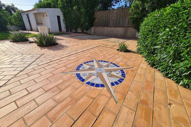 Maison individuelle T5 avec piscine + 2 annexes - Santa Barbara de Nexe | BVP-TMR-1083 | 42 | Bien vivre au Portugal