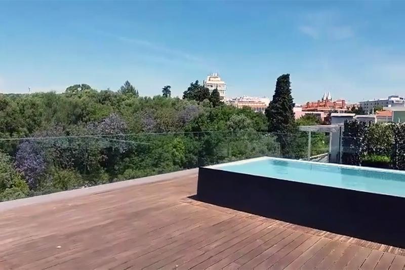 prestigieux appartement en duplex t3 penthouse avec terrasse et piscine privative estrela. Black Bedroom Furniture Sets. Home Design Ideas