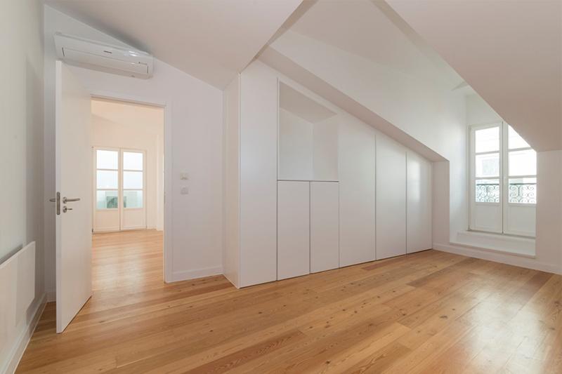 Splendid Flat 4 Bedroom View Tage Alfama For Sale Lisbon Portugal