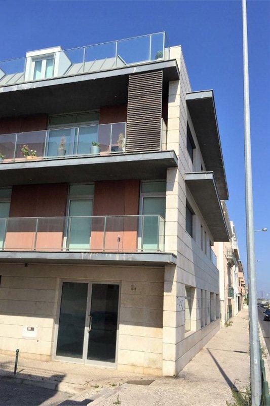 Duplex T3 de 200 m² vista frontal de Río y Mar - Algés / Oeiras   BVP-FC-670   10   Bien vivre au Portugal