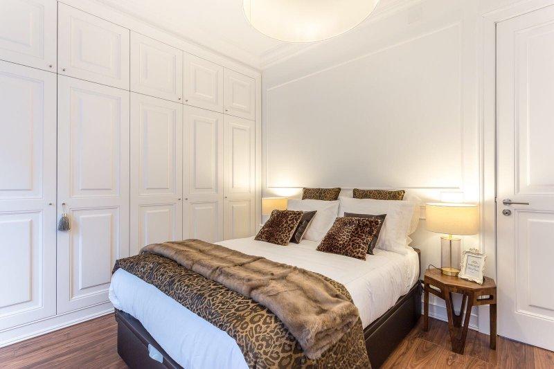Appartement T1 de 65 m² à la décoration glamour - Campolide | BVP-TD-705 | 1 | Bien vivre au Portugal