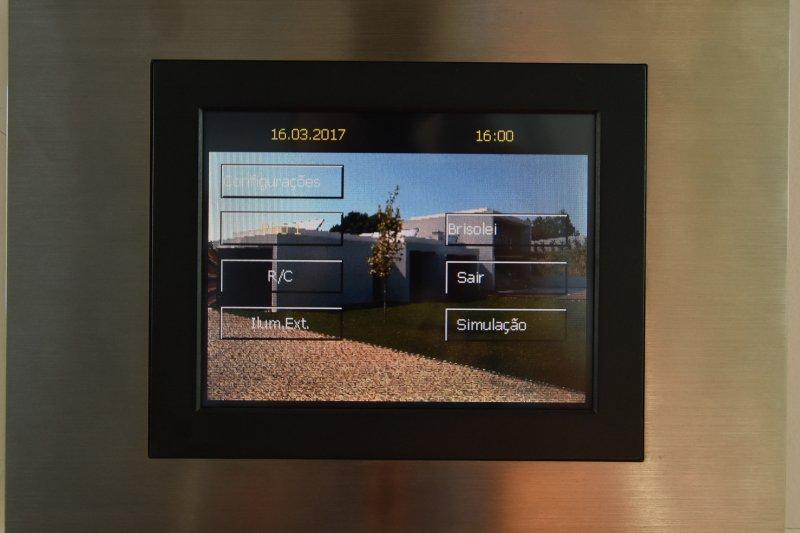 Villa T4 contemporaine avec piscine - Vila Nova de Gaia / Valadares | BVP-TD-999 | 15 | Bien vivre au Portugal
