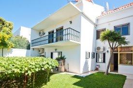 <p class= annonceFrom >Lisbon real estate</p> | House T5 of 198 sqm - Cascais / Monte Estoril | BVP-FaC-1049