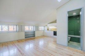 <p class= annonceFrom >Porto immobilier</p> | Studio T0 de 60 m² - Centre Porto / Sé | BVP-FaC-1072