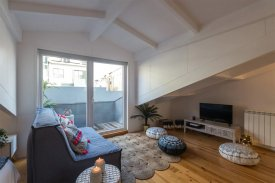 <p class= annonceFrom >Porto real estate</p> | Studio T0 of 41 sqm - Baixa do Porto / Cedofeita | BVP-FaC-1075