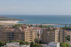 <p class= annonceFrom >Porto inmobiliaria</p> | Apartamento T4 de 242 m² - Oporto / Foz do Douro | BVP-FAC-1096