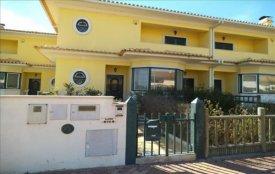 <p class= annonceFrom >Santarém immobilier</p> | Maison - 4 pièces - avec piscine extérieur - Samora Correia