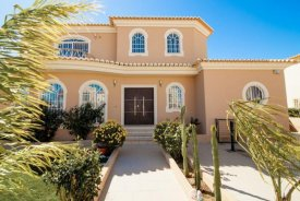 <p class= annonceFrom >Faro immobilier</p>   Villa V4 avec vue sur mer à vendre, Algarve