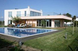 <p class= annonceFrom >Faro immobilier</p>   Luxuese villa V5 avec vue sur mer à vendre, Algarve