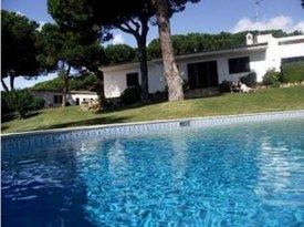 <p class= annonceFrom >Faro immobilier</p> | Vente propriété à Albufeira, avec vue mer et accès directe à la plage, Algarve