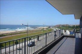 <p class= annonceFrom >Porto immobilier</p> | Programme immobilier : Vente d'appartements face à la mer - Canidelo