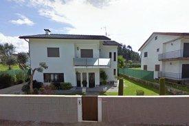<p class= annonceFrom >Braga immobilier</p> | Maison 5 pièces - piscine extérieur - São Sebastião