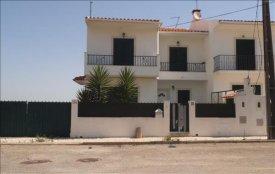 <p class= annonceFrom >Setúbal immobilier</p> | Maison 4 pièces - proche des plages - Almoinha