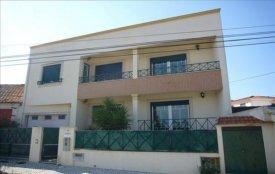 <p class= annonceFrom >Leiria immobilier</p> | Maison 5 pièces - quartier résidentiel calme - Marinha Grande