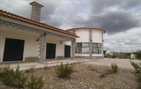<p class= annonceFrom >Santarém immobilier</p> | Maison V4 de plain-pied à vendre + terrain de 6330 m², Alentejo