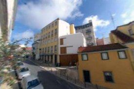 <p class= annonceFrom >Lisbonne immobilier</p> | Charmante maison V2 proche du Parc de Principe Real - Principe Real