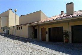 <p class= annonceFrom >Porto immobilier</p> | Maison T2 proche du Douro - Rio Mau