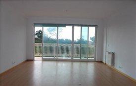 <p class= annonceFrom >Lisbonne immobilier</p>   Studio avec balcon proche des plages - Santa Cruz