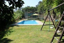 <p class= annonceFrom >Aveiro immobilier</p> | Charmante maison rurale T2 avec piscine idéale pour location touristique - Lourizela