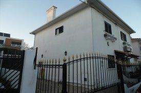 <p class= annonceFrom >Lisbonne immobilier</p> | Maison T2 - Madre Deus / Beato