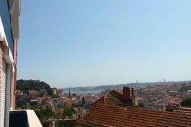 <p class= annonceFrom >Lisbonne immobilier</p> | Appartement T3 en Duplex rénové - Graça