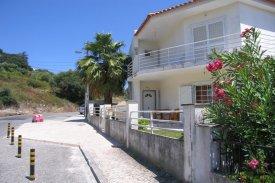 <p class= annonceFrom >Lisbonne immobilier</p> | Maison individuelle T5 - Ramada e Caneças | BVP-AF-617