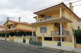 <p class= annonceFrom >Lisbonne immobilier</p> | Maison T4 de 255 m² - Porto Salvo | BVP-TD-625
