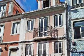 <p class= annonceFrom >Lisbonne immobilier</p> | Duplex T3 de 110 m²- en cours de rénovation - Estrela / Lapa | BVP-PP-698