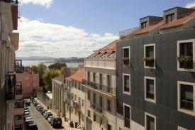 <p class= annonceFrom >Lisbonne immobilier</p>   Appartement T2 de 90 m² avec vue sur le Tage - Estrela / Lapa   BVP-PP-699