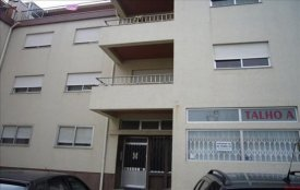 <p class= annonceFrom >Porto immobilier</p> | Appartement T3 à vendre - Perosinho
