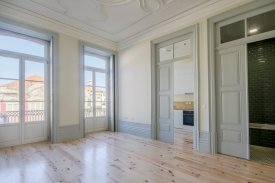 <p class= annonceFrom >Porto immobilier</p> | Appartement T1 de 62 m² - Baixa do Porto / Sé | BVP-FaC-760