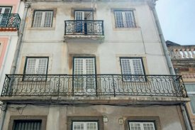 <p class= annonceFrom >Lisbon real estate</p> | House of 390 sqm - Santo António / Principe Real | BVP-FaC-798