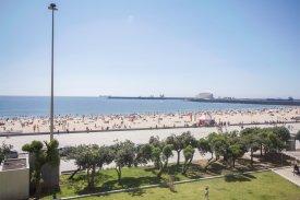 <p class= annonceFrom >Porto immobilier</p> | Appartement T3 de 198 m² face à la mer - Matosinhos e Leça da Palmeira | BVP-FaC-810