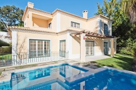 <p class= annonceFrom >Lisbon real estate</p> | Villa T5 of 376 sqm - Alcabideche / Cascais | BVP-FaC-884