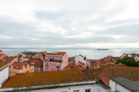<p class= annonceFrom >Lisbon real estate</p> | Apartment T2 of 100 sqm a few meters from the National Pantheon - São Vicente / Graça | BVP-FaC-888
