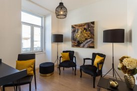 <p class= annonceFrom >Lisbon real estate</p> | Duplex T5 renovated in downtown of Lisbon - Anjos | BVP-TD-909