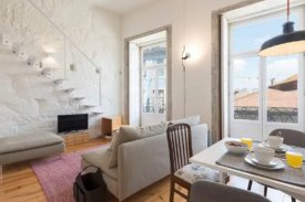 <p class= annonceFrom >Porto real estate</p> | Studio T0 of 51 sqm - Baixa de Porto / Sé | BVP-FAC-970