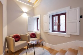 <p class= annonceFrom >Porto real estate</p> | Apartment T2 of 80 sqm - Historic center Porto / Sé | BVP-PD-991