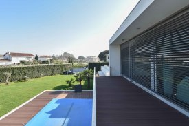 <p class= annonceFrom >Porto real estate</p> | Contemporary Villa 4 bedrooms with swimming pool - Vila Nova de Gaia / Valadares | BVP-TD-999